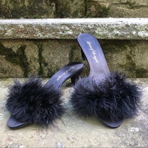 NEW: Fluffy Black Feather Heels 🐱🖤